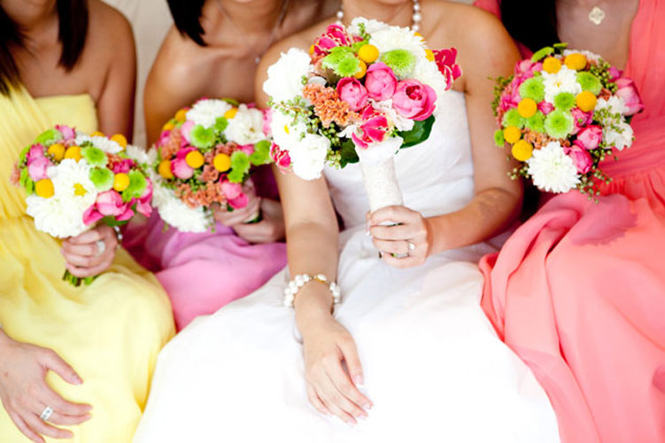 1c bridesmaids-bouquets-1