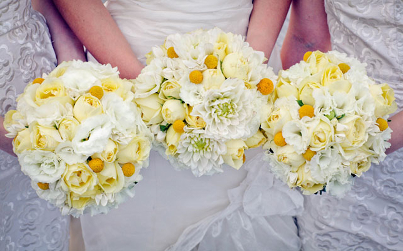 Yellow-roses-bouquet