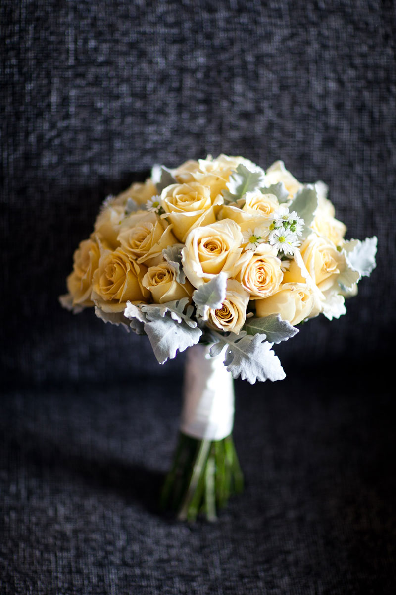 Yellow rose and daisy bouquet